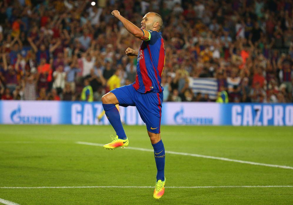 Foto: Andrés Iniesta celebró con euforia su gol contra el Celtic. (Paul Hanna/Reuters)