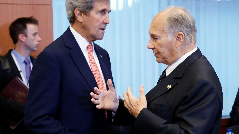 El secreatrio de Estado americano John Kerry, con el Agha Khan, en una imagen de archivo. (Reuters)