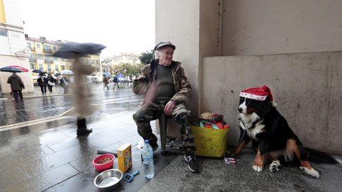 Más de 1 de cada 10 franceses son pobres. Este es el plan de Macron para atajarlo