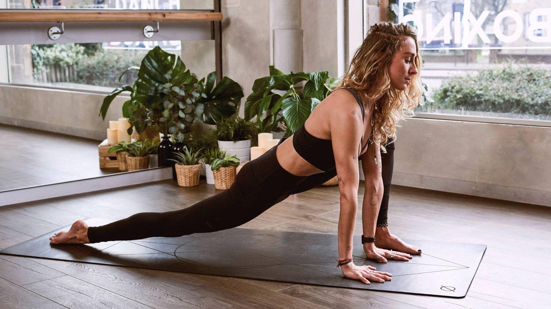 El yoga te ayuda a fortalecer tu sistema inmune. (Form para Unsplash)