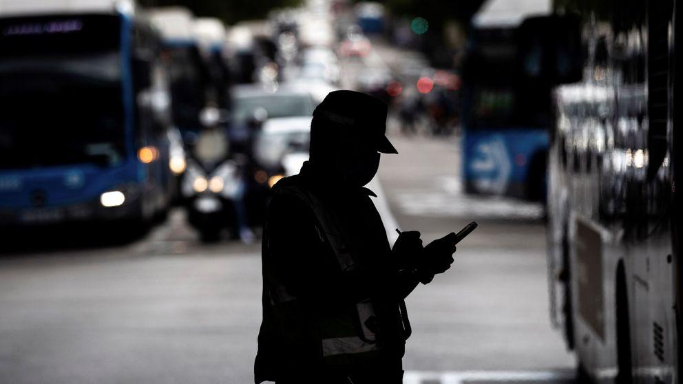 El último plan para vigilar las cuarentenas: ¿es legal que la Policía sepa si eres positivo?