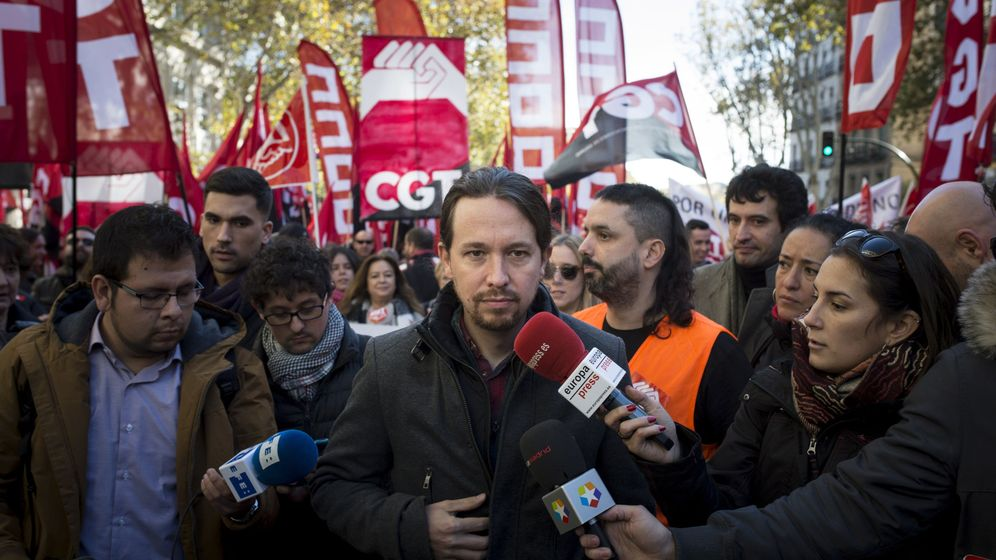 Foto: Pablo Iglesias, líder de la formación morada, frente a los medios. (EFE)