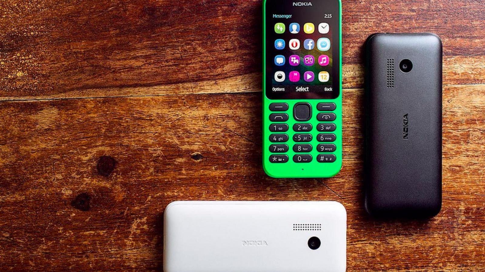 Foto: El Nokia 215 presentado recientemente por Microsoft (Fotografía: Microsoft).