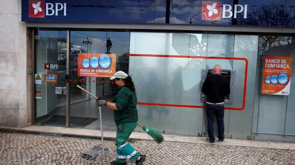 Noticias de caixabank caixabank reducir 900 empleos y for Oficines caixabank