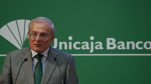 Credit Suisse aconseja a Unicaja comprar Liberbank para poder competir