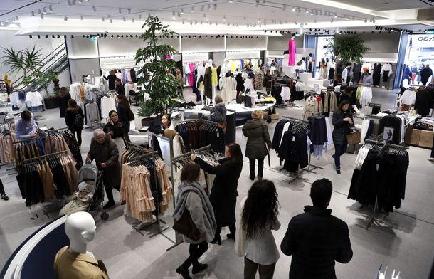 Foto: Los directivos de grandes empresas de Retail se asocian para compartir conocimientos. (EFE)