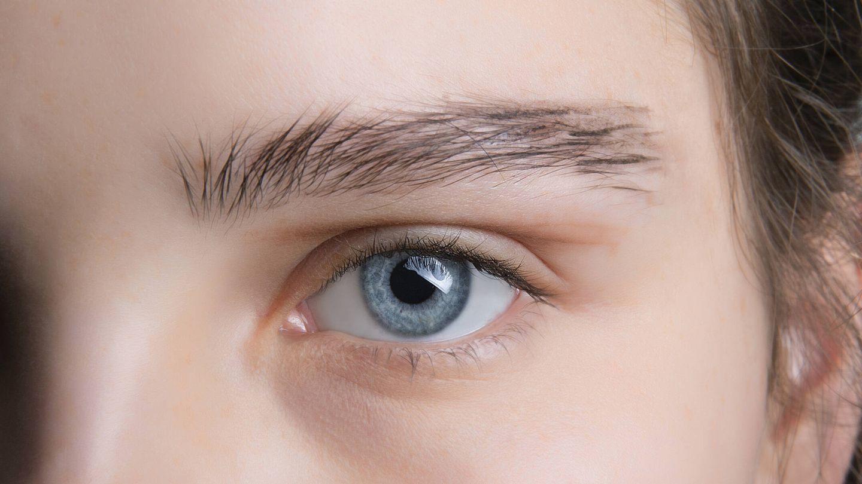 El brow lamination se puede acompañar de otros aliados como el maquillaje de cejas o los geles fijadores para modificar su forma. (Imaxtree)