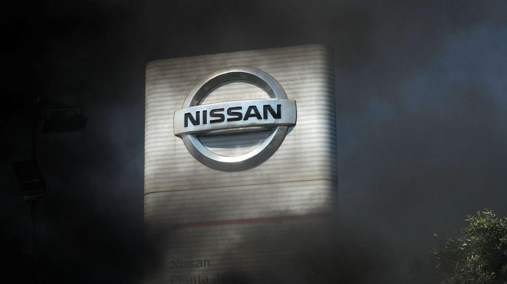 Foto: Protestas de los trabajadores de Nissan frente a la planta de Barcelona. (Reuters)