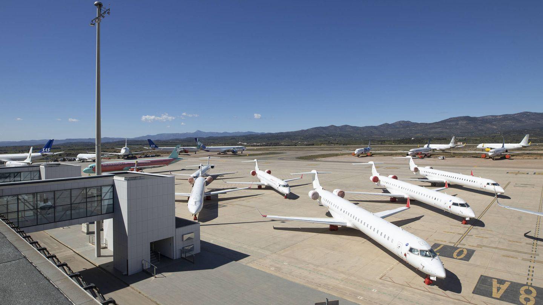 Aviones estacionados en el Aeropuerto de Castellón.