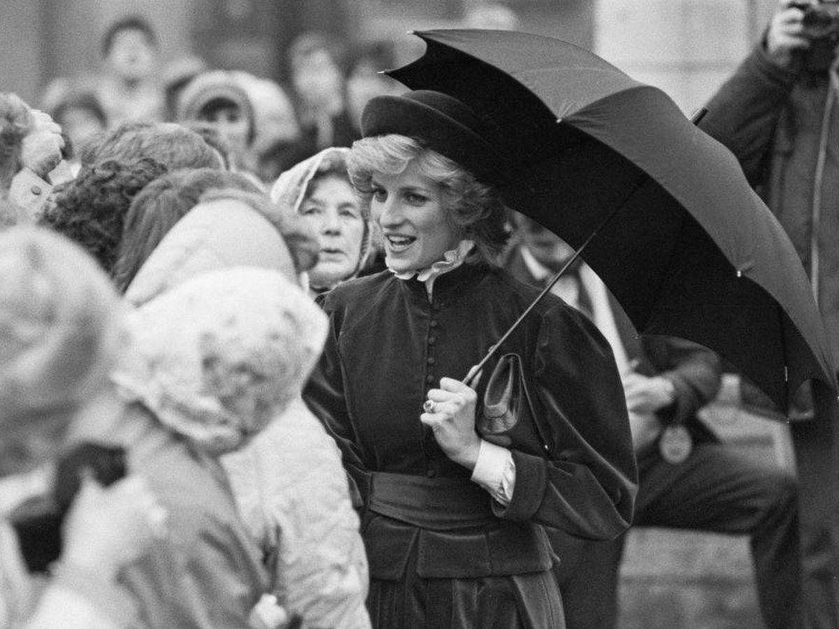 Foto: Diana de Gales, con la blusa que hoy es tendencia. (Getty)