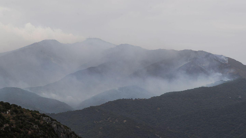 A wildfire is seen on Sierra Bermeja mountain from Gaucin, near Estepona, Spain, September 13, 2021. REUTERS Jon Nazca