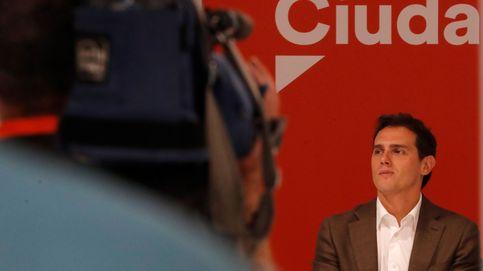 Rivera, a sus críticos: si alguien quiere apoyar a Sánchez que presente un partido político