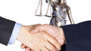 Abogados-árbitros y árbitros-abogados: el problema del doble gorro
