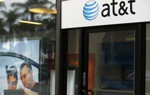 Los beneficios de AT&T se dispararon más un 150% en  2013