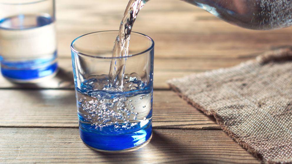 Alternativa a los refrescos: los beneficios y perjuicios del agua con gas