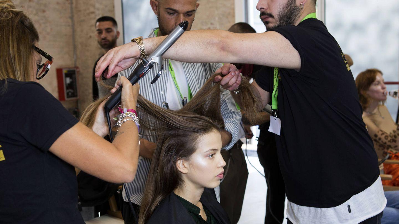 El planchado de seda tiene muchos años y se utiliza especialmente en cabellos muy rizados. (Imaxtree)