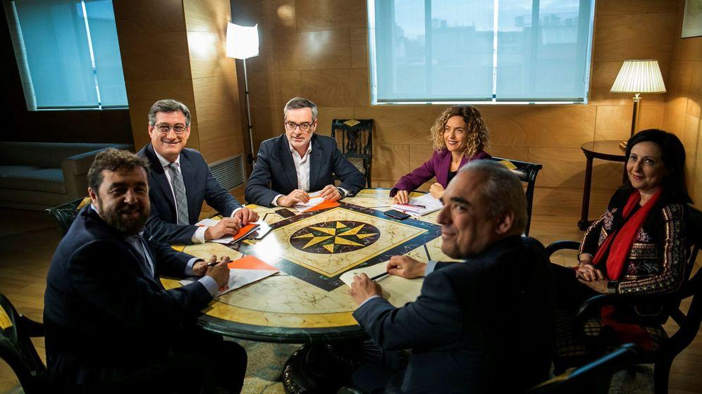 Foto: Los equipos de PSOE y Ciudadanos se reúnen para hablar de la reforma de la ley electoral. (EFE)