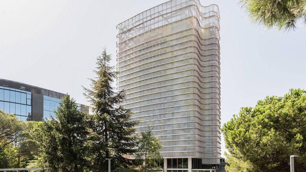Hispania revienta el mercado de oficinas al encargar vender en bloque todos sus edificios