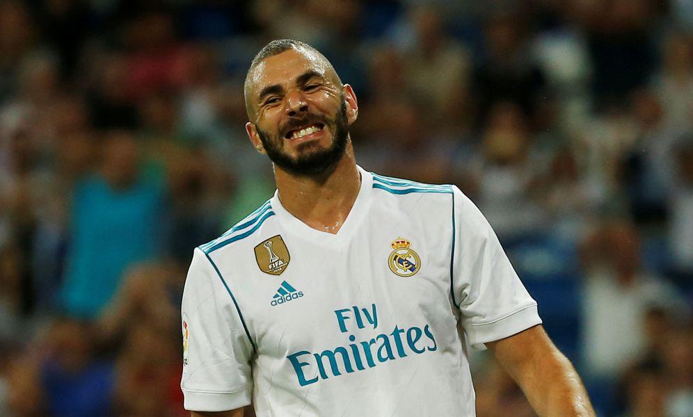 Foto: La grada del Santiago Bernabéu cada día critica más a Karim Benzema. (Reuters)