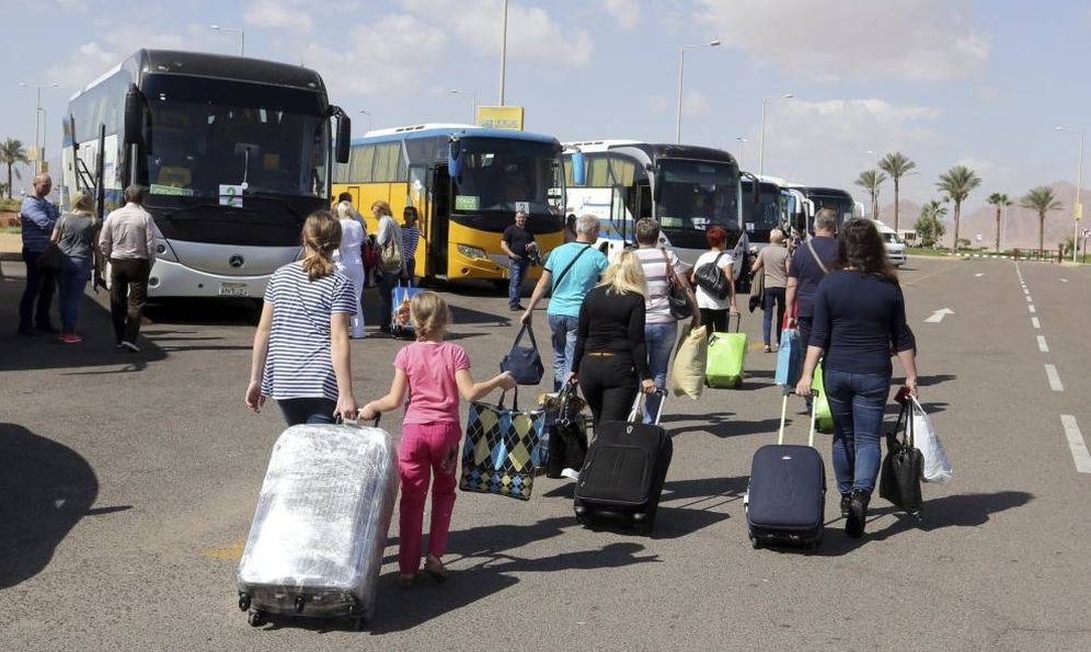Foto: Los pasajeros se pasan a otras alternativas de transporte, en detrimento del bus. (EFE)