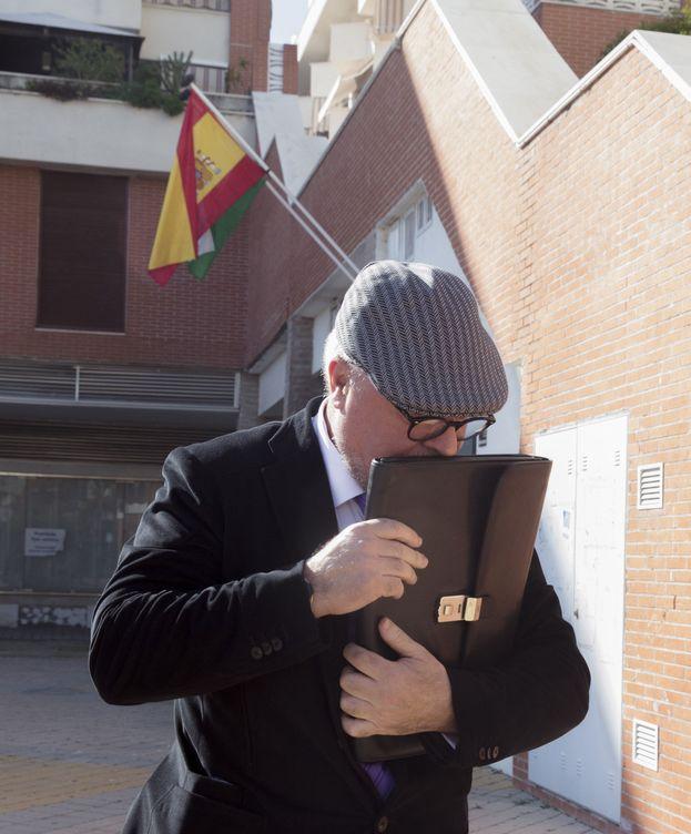 Foto: El comisario José Manuel Villarejo, tras declarar en el marco del caso ático. (EFE)