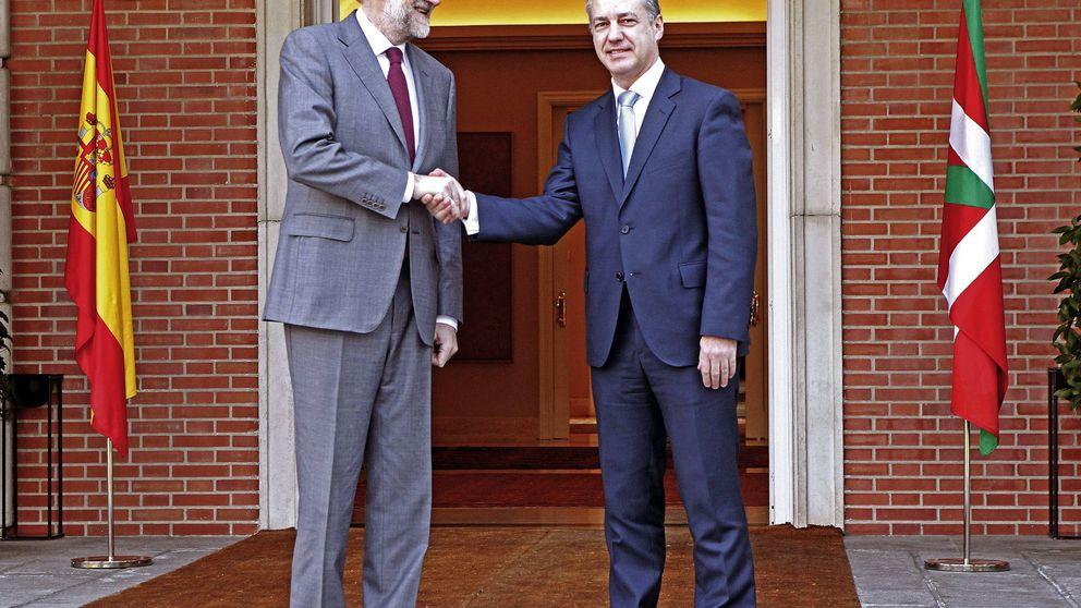 Rajoy atiende históricas demandas del PNV como aviso a Cataluña