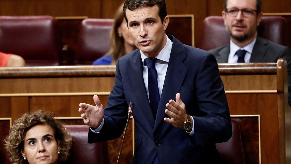 Foto: El líder del PP, Pablo Casado, durante una intervención en la sesión de control al Gobierno. (EFE)