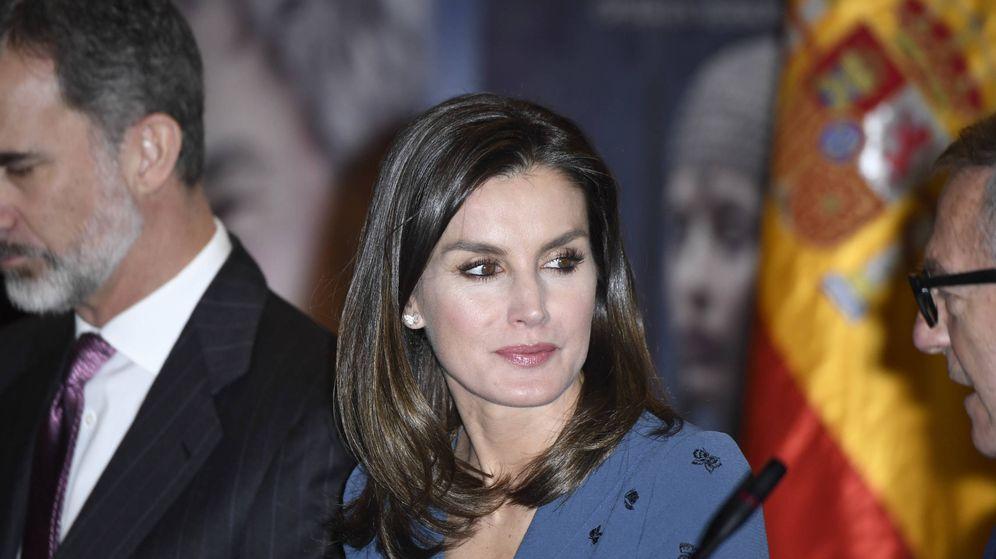 Foto: La Reina con el Patronato de la Fundación Teatro Real. (Limited Pictures)