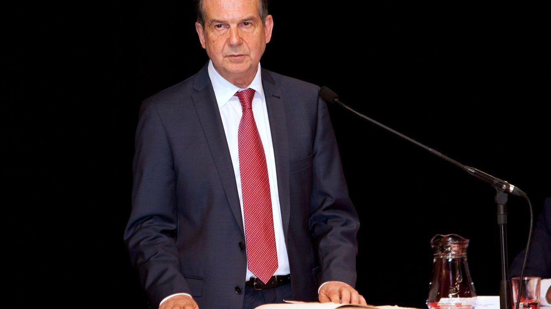 Caballero reinventa el referéndum: los vigueses quieren playas y fútbol 'sin humo'