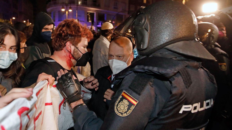 Antidisturbios hartos de sospechas: Si un acto fascista fuera violento, cargaríamos igual