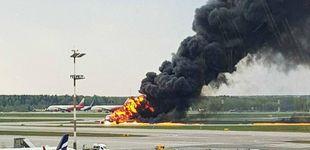 Post de Al menos 13 muertos y seis heridos tras incendiarse un avión comercial en Moscú