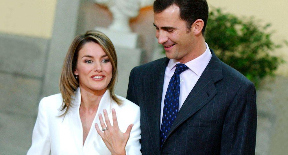 Foto: Los futuros Reyes de España el día que anunciaron la pedida de mano. (Getty)