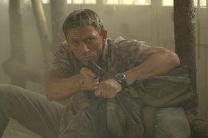 James Bond dispara contra 'Aída'