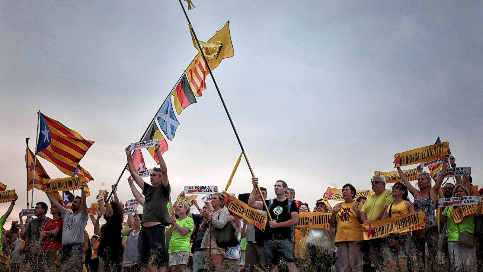 Foto: Fotografía de archivo de una concentración junto a la cárcel de Lledoners. (EFE)