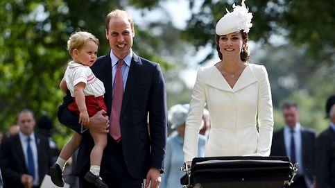 Los duques de Cambridge viajan en el tiempo en el bautizo de Charlotte