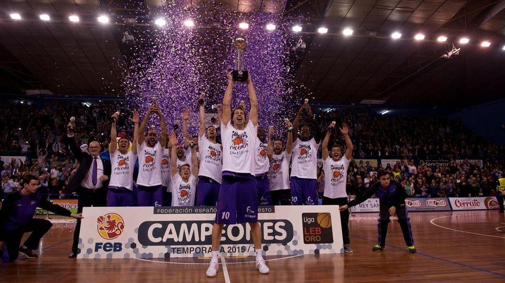 Foto: El Quesos Cerrato Palencia ganó el título de LEB Oro tras ganar al Ourense en la 29ª jornada (María González/FEB)