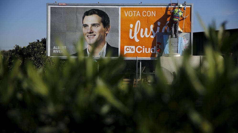 Foto: El cartel electoral de Albert Rivera. (Reuters)