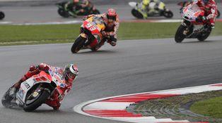 Ducati pidió a Lorenzo que dejara pasar a Dovizioso, pero no que se dejase ganar
