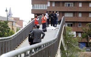 Asesinada a tiros Isabel Carrasco (Fotos: ICAL e ILeon.com)