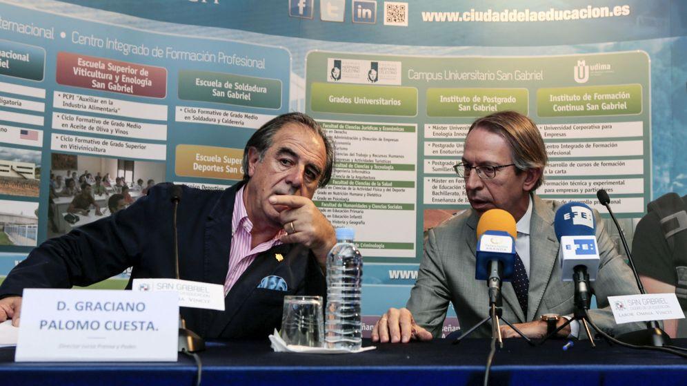 Foto: El periodista Graciano Palomo (i), junto al exdirector de la Agencia EFE José Antonio Vera. (EFE)