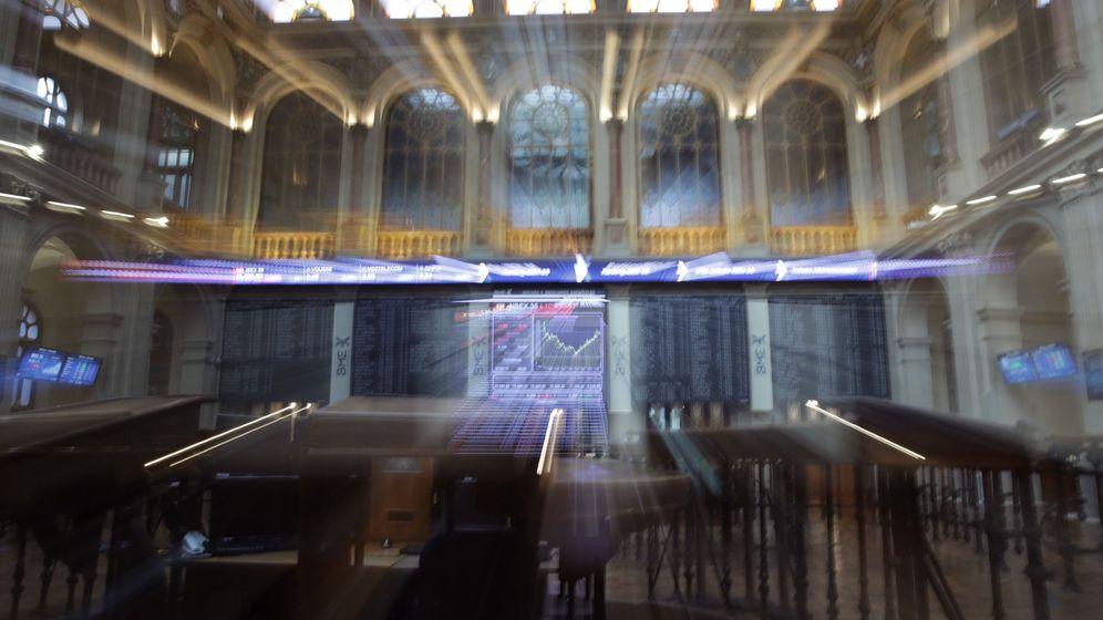 Foto: Vista de un panel del Ibex 35. (EFE)