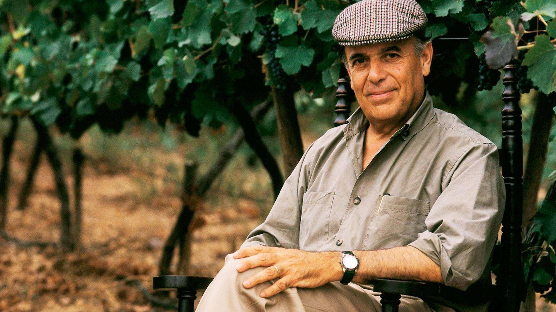 Carlos Falcó, entre viñedos, donde más le gustaba. (Getty)