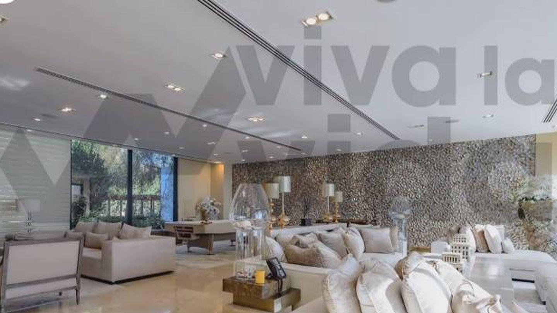 Salón de la residencia de don Juan Carlos. (Telecinco)