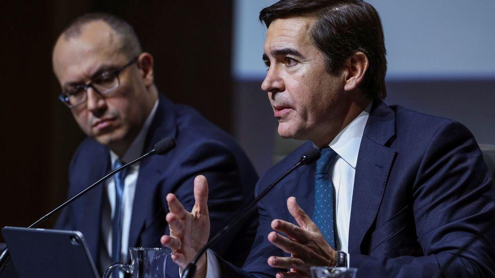 Foto: Carlos Torres y Onur Genç, presidente y CEO de BBVA, respectivamente. (EFE)