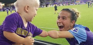 Post de La fotografía que ha cautivado a internet: la jugadora y el bebé con un solo brazo