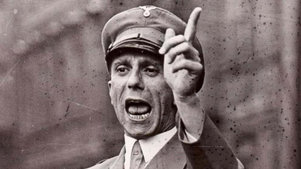 Joseph Goebbels reclama derechos de autor