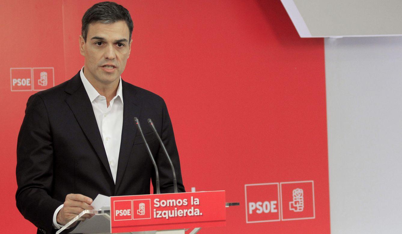 Foto: Pedro Sánchez, durante su declaración institucional en Ferraz tras la comparecencia de Mariano Rajoy, este 26 de julio. (EFE)