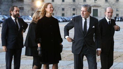 Lluvia de títulos para la mujer de Íñigo Méndez de Vigo