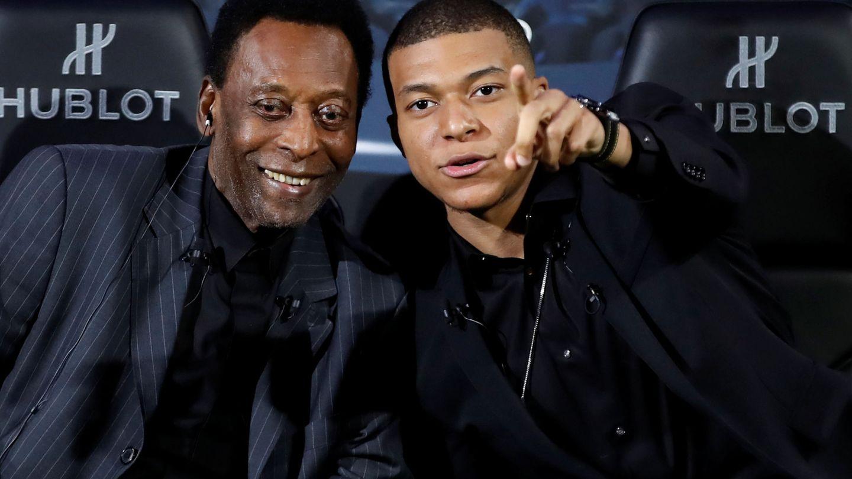 Pelé y Mbappé estuvieron juntos en París a comienzos de abril. (Reuters)