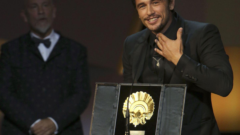 James Franco recoge la Concha de Oro a la Mejor Película por 'The Disaster Artist'. (Efe)